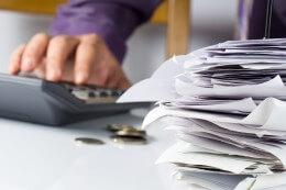 חשבונות שהצטברו ויצרו צורך להלוואה